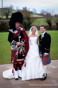 wedding scottish bagpiper